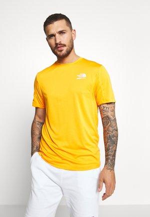 MENS GLACIER TEE - Print T-shirt - flame orange