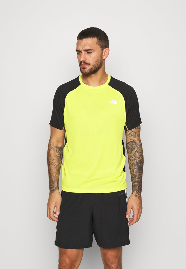 MENS AMBITION - T-shirt z nadrukiem - lemon/black