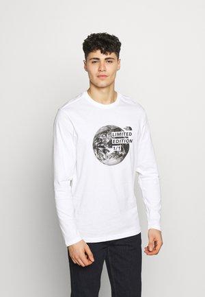 MENS GRAPHIC TEE - Langarmshirt - white/black