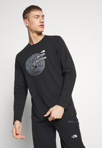 The North Face - MENS GRAPHIC TEE - Bluzka z długim rękawem - black/zinc grey - 0