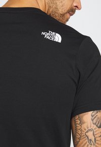 The North Face - MENS GRAPHIC TEE - Printtipaita - black/zinc grey - 3