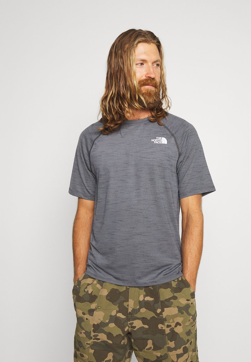 The North Face - MEN'S ACTIVE TRAIL - T-shirt imprimé - dark grey heather