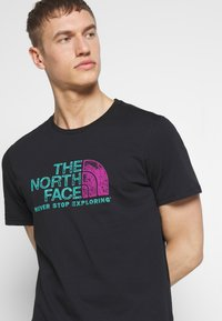 The North Face - MEN'S RUST TEE - Print T-shirt - black - 4