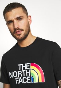 The North Face - RAINBOW TEE - T-shirts print - black - 3