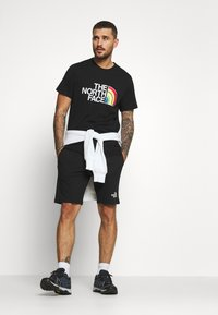 The North Face - RAINBOW TEE - T-shirts print - black - 1