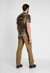 The North Face - EXPLORATION - Pantalons outdoor - british khaki - 2