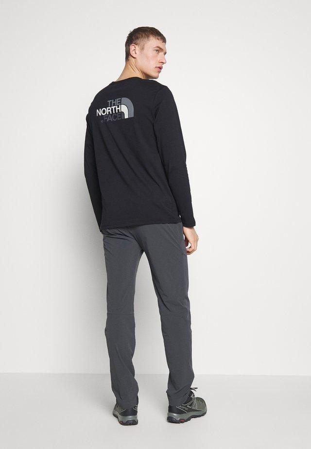 MEN'S SPEEDLIGHT PANT - Friluftsbukser - asphalt grey/white