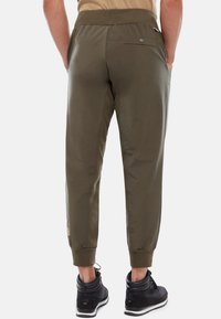 The North Face - M TKW DREW PEAK PANT - Verryttelyhousut - green - 1