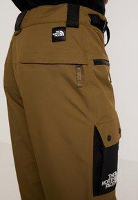 The North Face - SLASHBACK CARGO PANT - Snow pants - military olive/black - 4