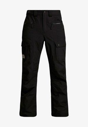 SLASHBACK CARGO PANT - Spodnie narciarskie - black