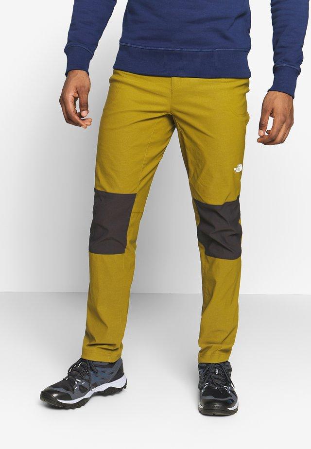 MEN'S CLIMB PANT - Pantalones - fir green/black
