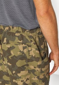 The North Face - MEN'S CLASS PULL ON TRUNK - Shorts outdoor - burnt olive green/ponderosa - 4