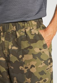 The North Face - MEN'S CLASS PULL ON TRUNK - Shorts outdoor - burnt olive green/ponderosa - 3
