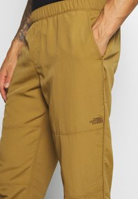The North Face - CLASS PANT - Trousers - british khaki