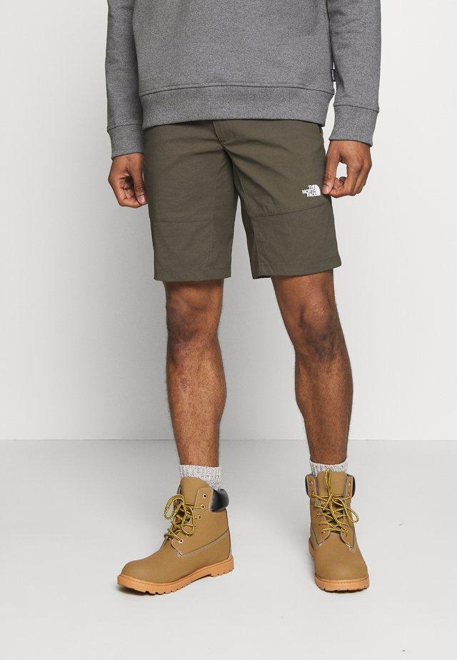 MENS LIGHTNING - Pantalones montañeros cortos - new taupe green