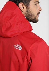 The North Face - MENS QUEST JACKET - Blouson - rage red/black - 6