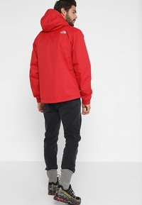 The North Face - MENS QUEST JACKET - Blouson - rage red/black - 2