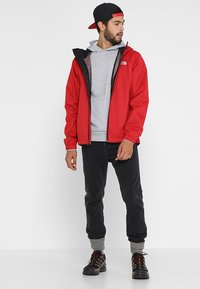 The North Face - MENS QUEST JACKET - Blouson - rage red/black - 1