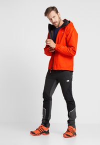 The North Face - MENS QUEST JACKET - Blouson - orange - 1