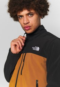 The North Face - MENS APEX BIONIC JACKET - Soft shell jacket - caramel cafe - 4