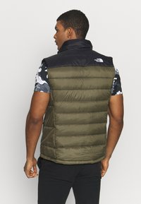 The North Face - NUPTSE ACONCAGUA - Bodywarmer - black / new taupe green - 2