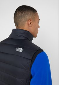 The North Face - NUPTSE ACONCAGUA - Vest - black - 5