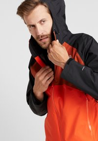The North Face - MENS STRATOS JACKET - Kurtka hardshell - orange/black/picante red - 3