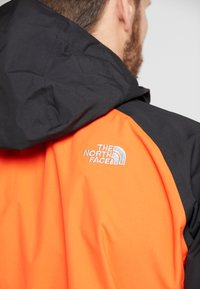 The North Face - MENS STRATOS JACKET - Kurtka hardshell - orange/black/picante red - 6