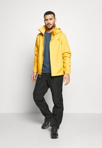 The North Face - RESOLVE JACKET - Outdoorjas - bamboo yellow - 1