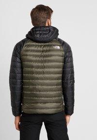 The North Face - TREVAIL HOODIE - Gewatteerde jas - new taupe green/black - 2