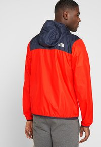 The North Face - MENS CYCLONE 2.0 HOODIE - Impermeable - fiery red/urban navy - 2