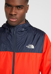 The North Face - MENS CYCLONE 2.0 HOODIE - Impermeable - fiery red/urban navy - 3