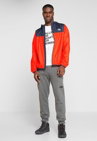 The North Face - MENS CYCLONE 2.0 HOODIE - Impermeable - fiery red/urban navy - 1