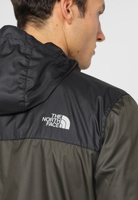 The North Face - MENS CYCLONE 2.0 HOODIE - Impermeable - new taupe green/black - 5