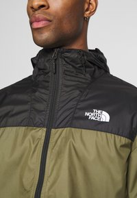 The North Face - MENS CYCLONE 2.0 HOODIE - Impermeabile - black/burnt olive grn - 6