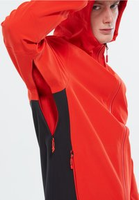 The North Face - M APEX FLEX DRYVENT - Outdoorjacka - red - 2