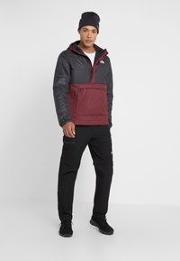 The North Face - INSULATED FANORAK - Outdoorjas - black/deep garnet red - 1