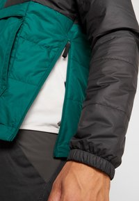 The North Face - INSULATED FANORAK - Outdoorjas - night green/black - 3