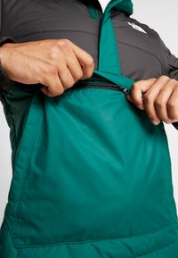 The North Face - INSULATED FANORAK - Outdoorjas - night green/black - 4