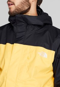 The North Face - QUEST TRICLIMATE JACKET 2-IN-1 - Hardshell jacket - yellow/black - 6