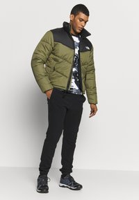 The North Face - MENS SAIKURU JACKET - Zimní bunda - burnt olive green