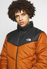 The North Face - MENS SAIKURU JACKET - Winter jacket - caramel cafe - 3