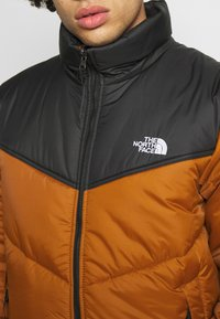 The North Face - MENS SAIKURU JACKET - Winter jacket - caramel cafe - 5