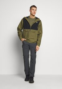 The North Face - MEN'S WATERPROOF FANORAK - Veste coupe-vent - burnt olive - 1
