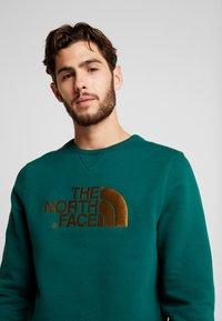 The North Face - MENS DREW PEAK CREW - Sweatshirt - night green - 4