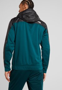 The North Face - OVERLAY - Träningsjacka - green/black - 2