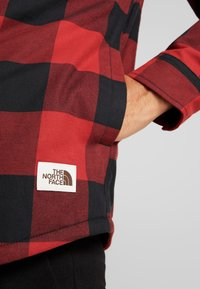 The North Face - CAMPSHIRE - Overhemd - cardinal red - 6