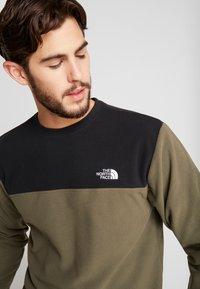 The North Face - GLACIER CREW - Bluza z polaru - new taupe green/black - 4