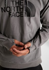 The North Face - EKNO LOGO HOODIE - Mikina s kapucí - medium grey heather - 3