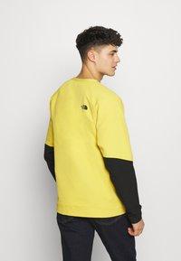 The North Face - MENS TEKNO RIDGE CREW - Fleecová mikina - bamboo yellow/black - 2